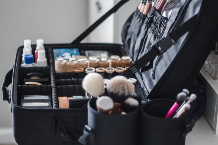 10 Questions to Ask Your MakeupArtist